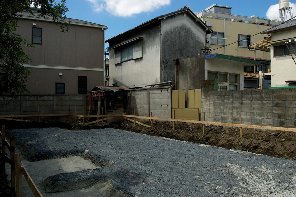 User experience in japan disposable houses street for Houses for sale in japan zillow