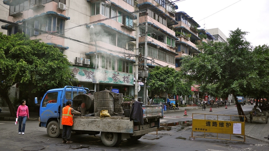 Resurfacing Road in Chengdu