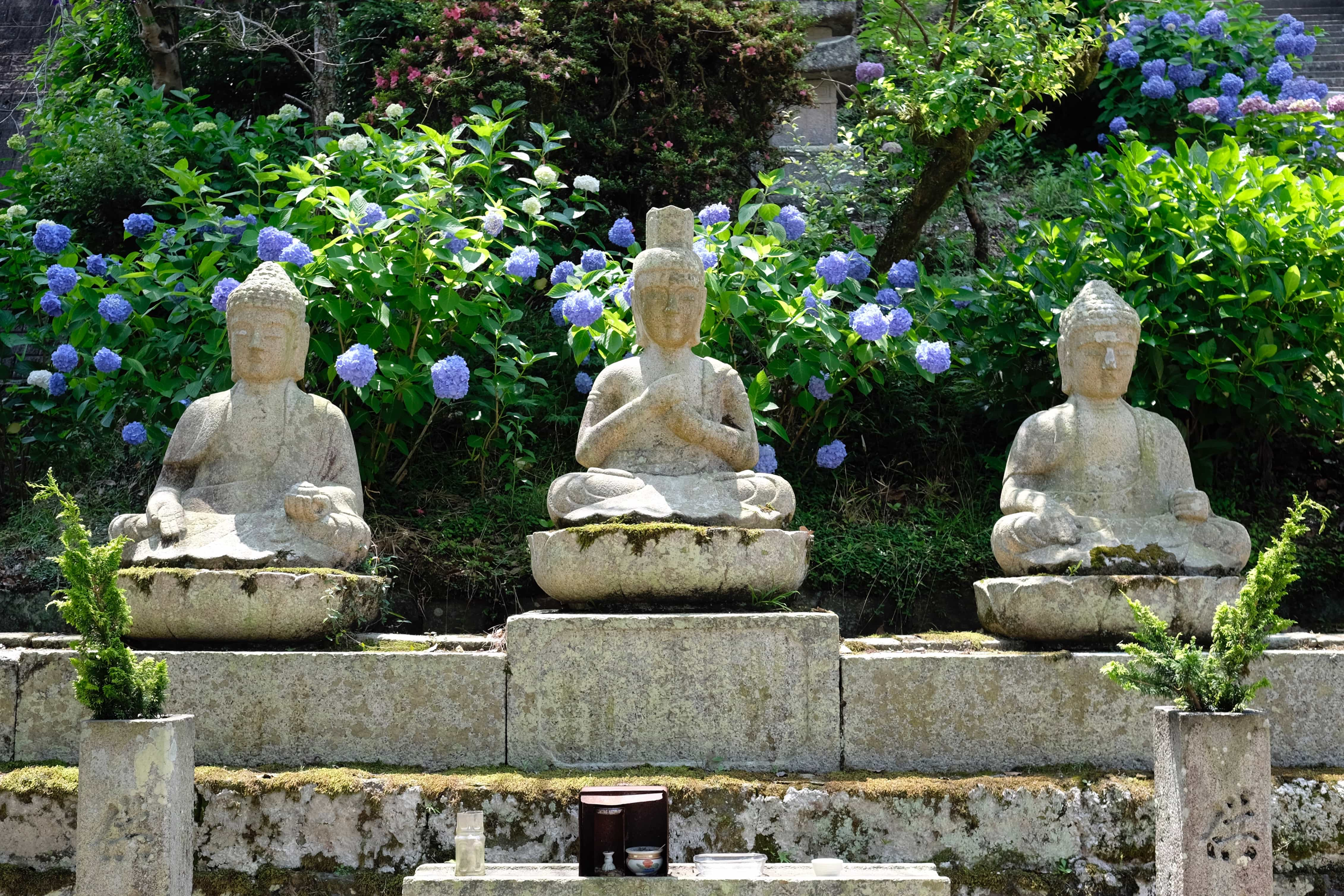 Three stone Buddha's at Jinne-in