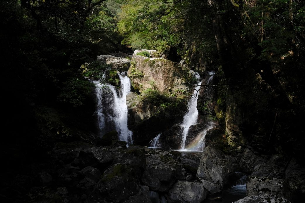 Todoroki Kujūku-taki Waterfall