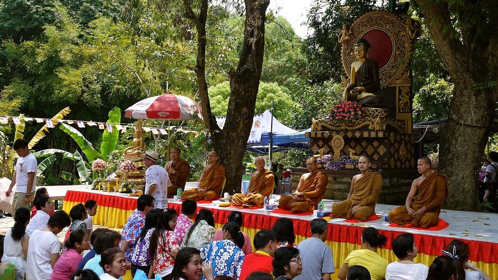 Wat Tai Wo Monks